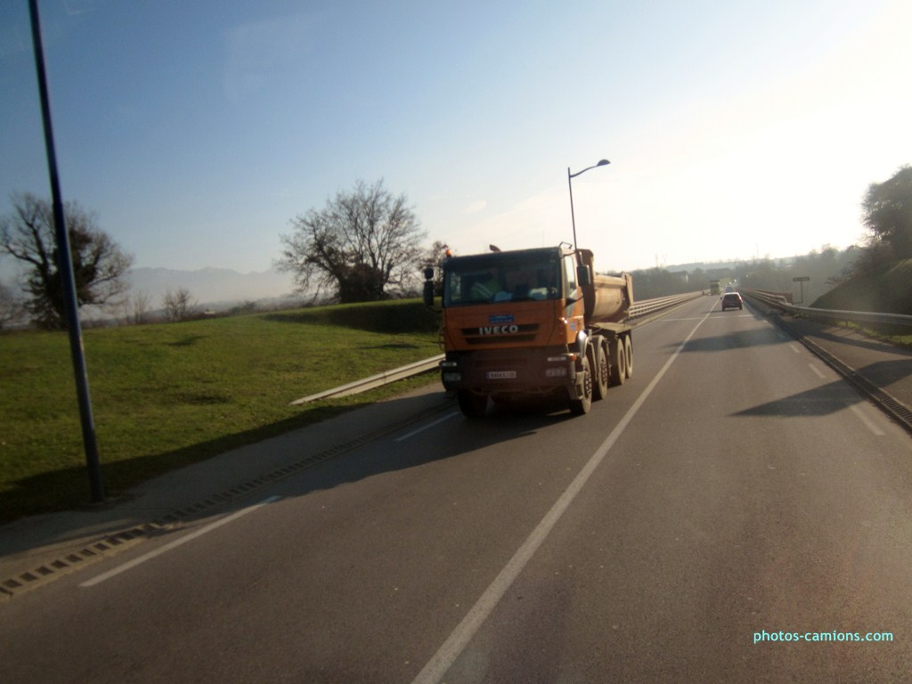 Iveco Stralis  - Page 3 575902photoscamions11I201324Copier