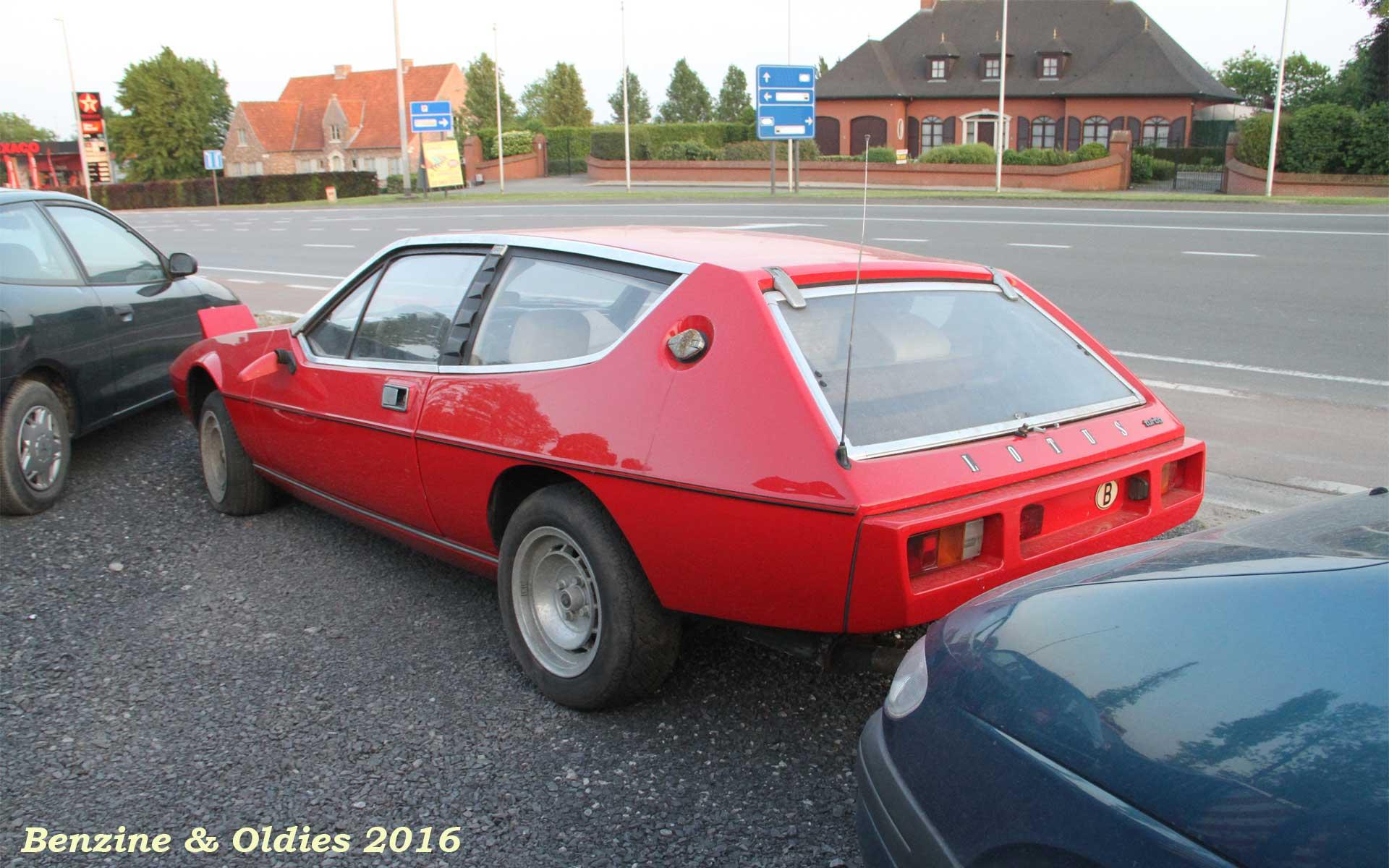 une Lotus Elite S2 à sauver vue sur la route en Belgique 577794lotusstreet0005