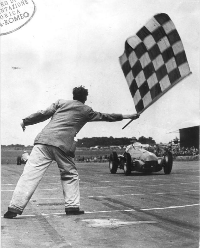 La légendaire Alfa Romeo 158 célèbre le retour de la Marque en Formule 1 lors de l'inauguration du FIA ''Hall of Fame'' à Paris 579204170420Heritage02