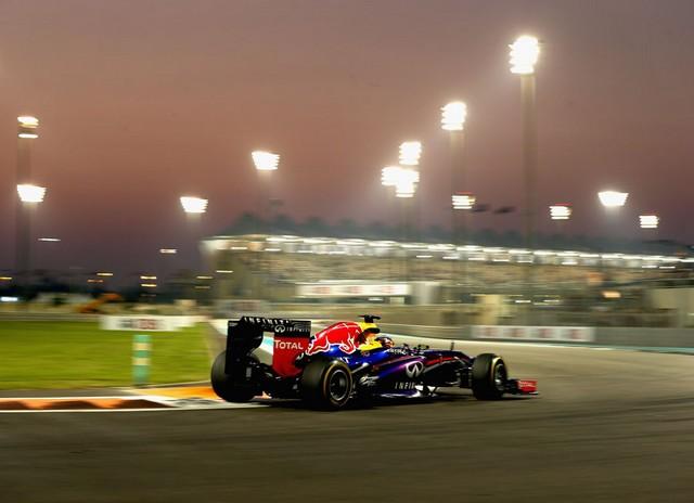 F1 GP d'Abou Dhabi 2013 : (essais libres-1-2-3-Qualifications) 5814892013GPAbudhabisebastianvettel