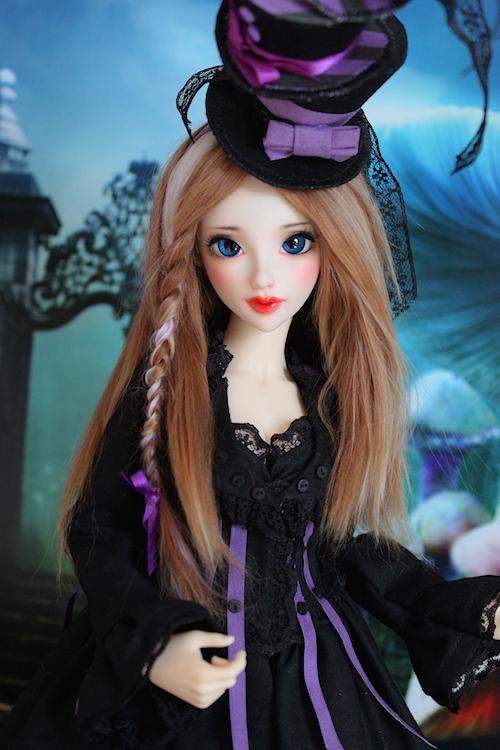 Elsa vous souhaite une Bonne Année (Enni Sensei's Dolls) p8 - Page 4 582724Chapeliremoitie