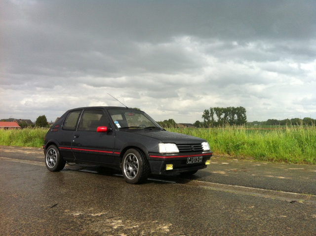 [philiopate] 205 GTI 1.6L Gris Graphite 1990 - Page 9 583895IMG0358