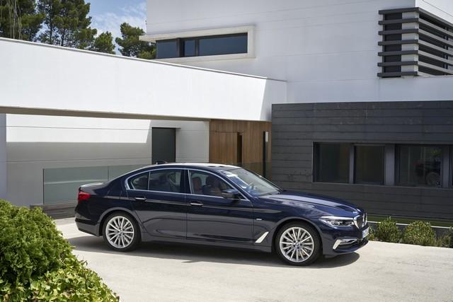 La nouvelle BMW Série 5 Berline. Plus légère, plus dynamique, plus sobre et entièrement interconnectée 584428P90237295highResthenewbmw5series