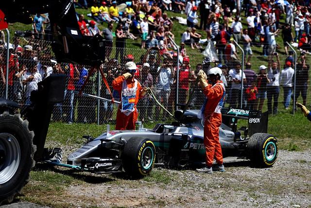 F1 GP d'Espagne 2016 : Victoire Max Verstappen 5844852016LewisHamilton