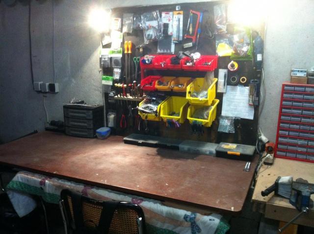 Mon garage pour 1/10 et 1/1 5876568815