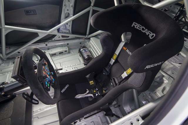 Présentation de la nouvelle Opel Astra TCR aux écuries clientes 588985OpelAstraTCR297894