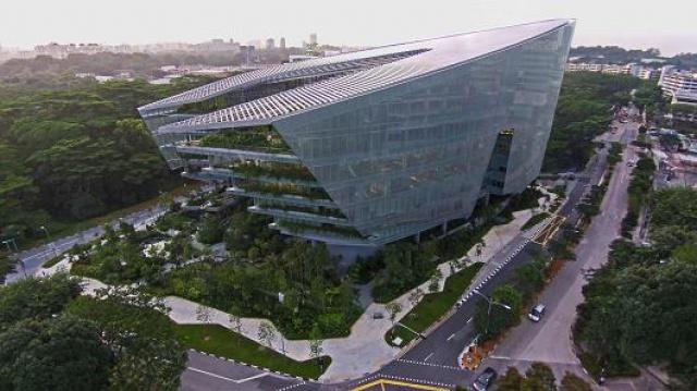 [Lucasfilm] Inauguration du Sandcrawler building à Singapour (2013)  589948SC1