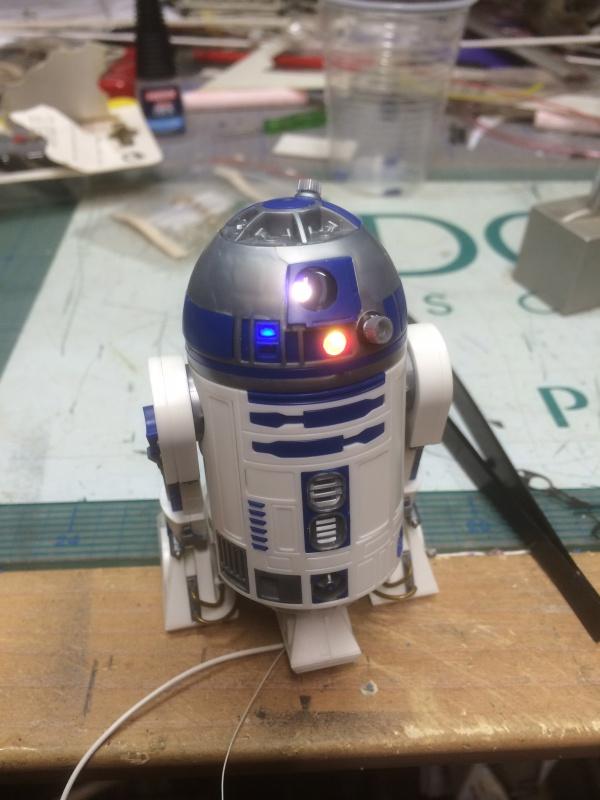 R2-D2 et C3-PO (et R5-D4) 590452IMG0242