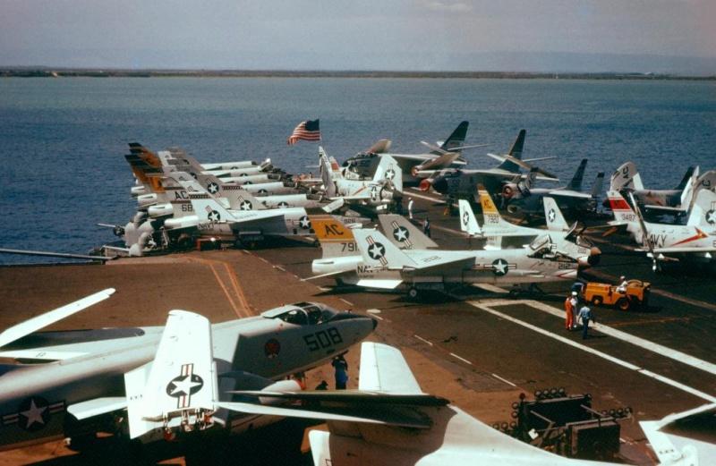 VOUGHT F-8 CRUSADER  591178USSSaratogaCVA60Crusader
