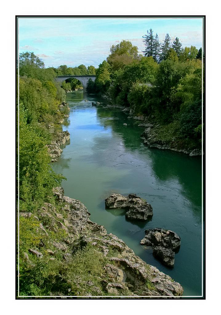 Pont et rivière 591202humain