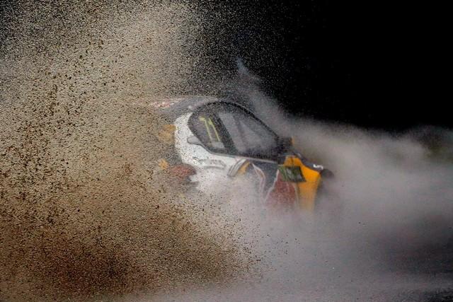 Rallycross - Sébastien Loeb remporte sa première victoire au volant de la PEUGEOT 208 WRX ! 592358wrx201610020119