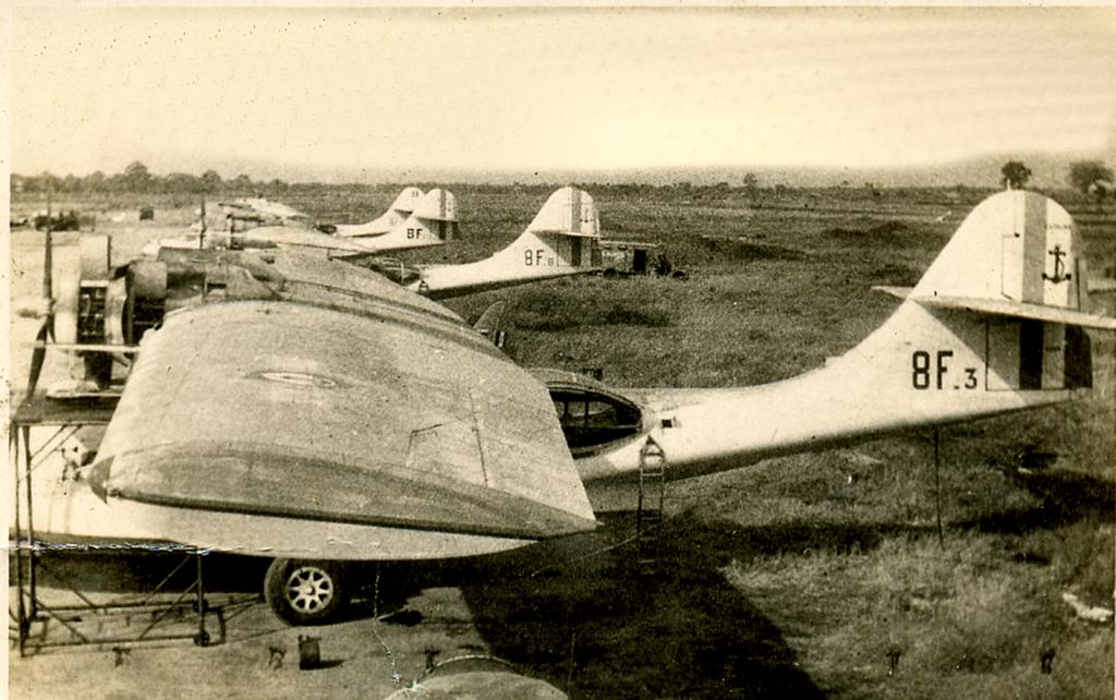 [ Aéronavale divers ] [ 1945-1950 L'histoire des grands oiseaux blancs à tête de loup noir en Indochine 592857465748F3TanSonNhut1947