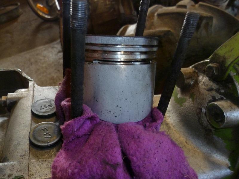 agria - pièces Agria 2400 594201Piston2400