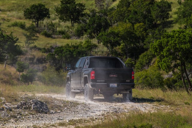 Lancement du Sierra à poids lourd tout terrain X 5955402017GMCSierra2500HDAllTerrainX023