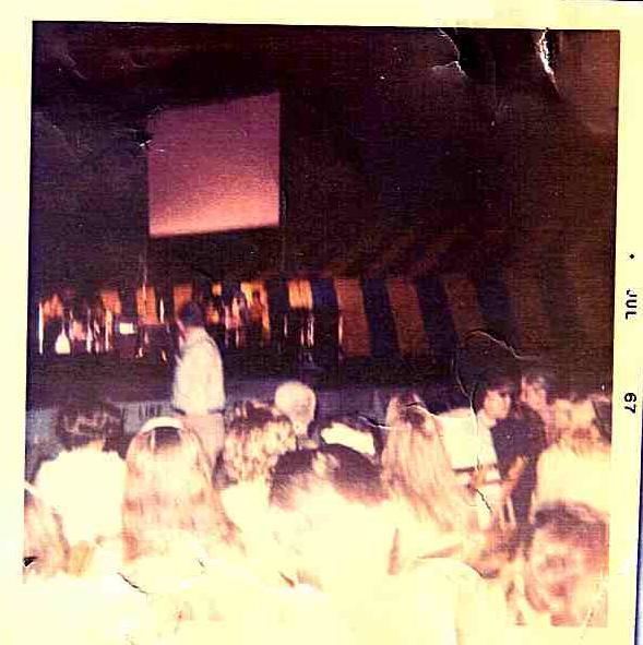 New York (Forest Hills Stadium) : 13-14-15-16 juillet 1967  596951JimiHendrixForestHillsNY19670715