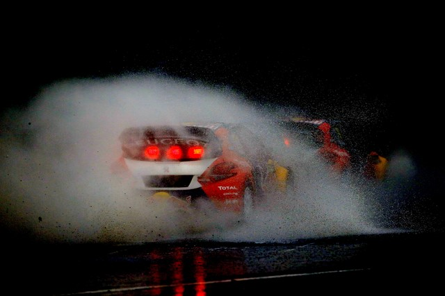 Rallycross - Sébastien Loeb remporte sa première victoire au volant de la PEUGEOT 208 WRX ! 59699257f0f2f338b9e