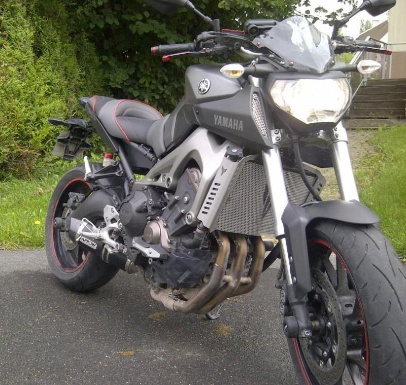 Photos de toutes les Yamaha MT-09 du forum ! :) 605847YSpecos77
