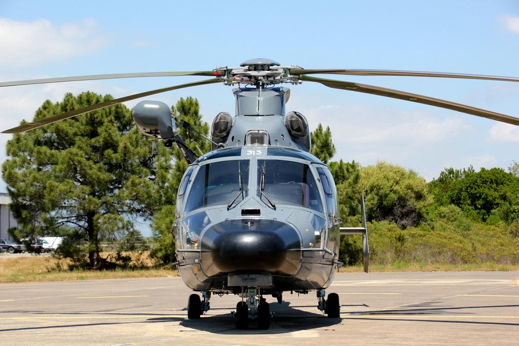 [ Aéronavale divers ] Hélicoptère DAUPHIN - Page 4 609982SOLENZARAMAI2015VENDREDI261