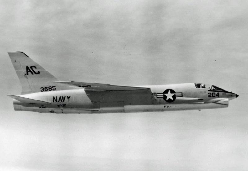 VOUGHT F-8 CRUSADER  612395VoughtF8U1VF321958