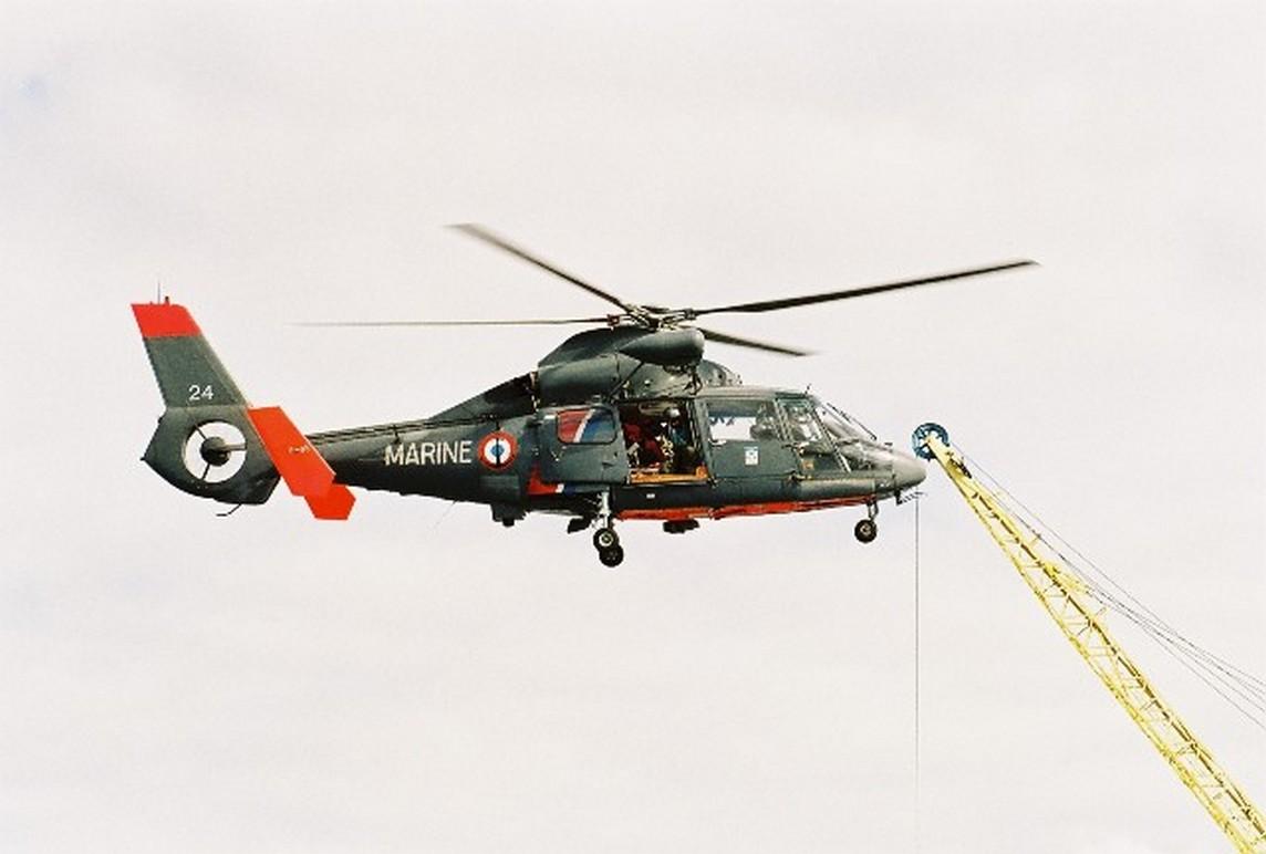 [ Aéronavale divers ] Hélicoptère DAUPHIN - Page 3 61353000000910