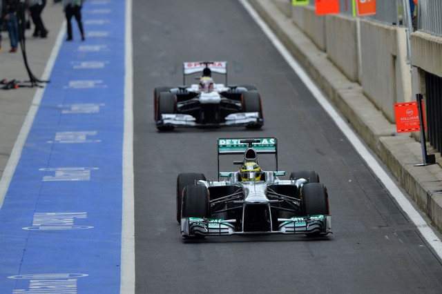 F1 GP de Grande-Bretagne 2013 : (essais libres-1-2-3-Qualifications) 6152052013GPdeGrandBretagneNicoRosberg1