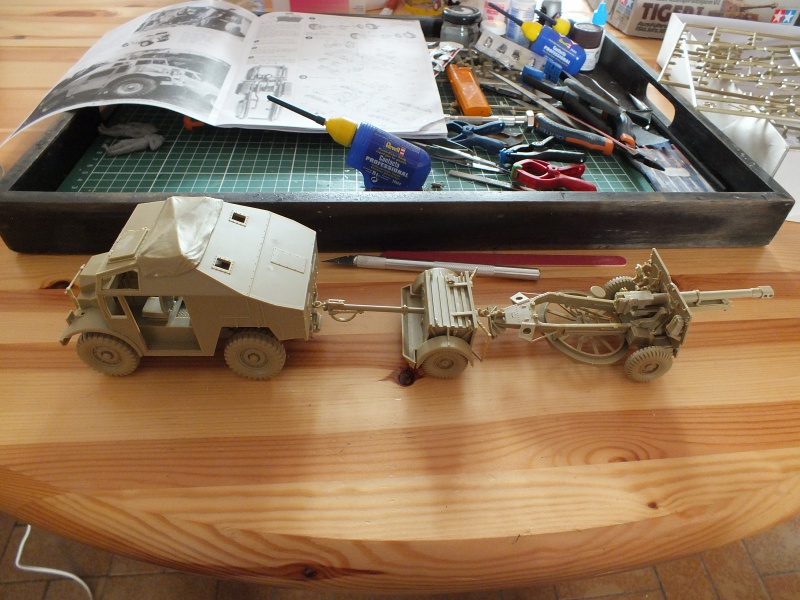 British 25pdr. field gun & Quad Gun Tractor (Canadian Ford F.G.T)  (Tamiya 1/35 réf. 35044) 617448DSCF7915