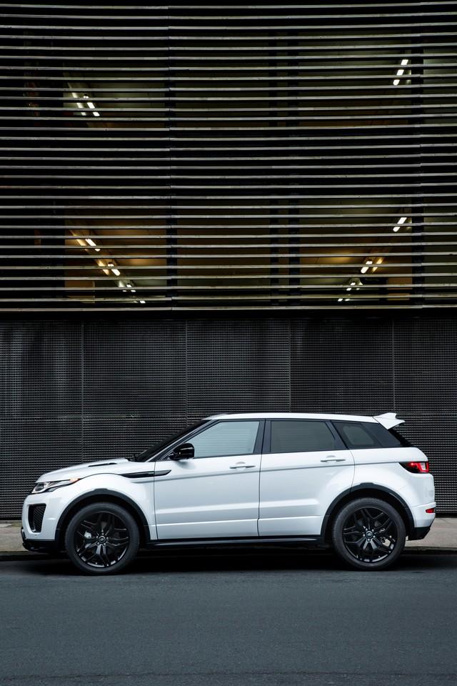 Les Land Rover Discovery Sport Et Range Rover Evoque Encore Plus Performants Grâce Aux Technologies Des Nouveaux Moteurs Ingenium 625354rrevq18my290psingeniumpetrol24051708