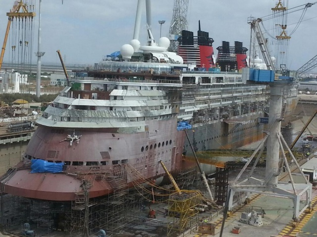 [Disney Cruise Line] - Transformations Disney Magic (2013) & Disney Wonder (2016) et construction de trois nouveaux paquebots (mise en service en 2022, 2024 et 2025) - Page 2 627955DisneyMagic3