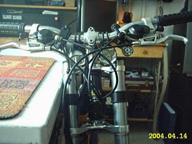 HOOLIGAN..Pas un (( GRAND )) vélo.....MAIS !!! - Page 2 629772IMG0012