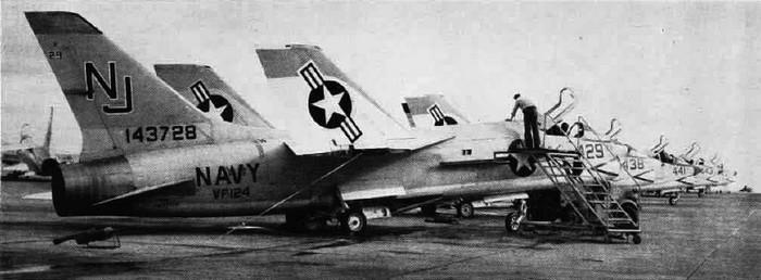 VOUGHT F-8 CRUSADER  631034VoughtF8CrusaderVF124