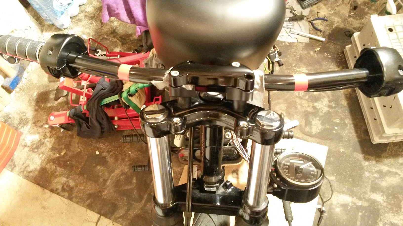 Drag Bar & Risers sur 883 Black Denim de 2010 63403120131222172550