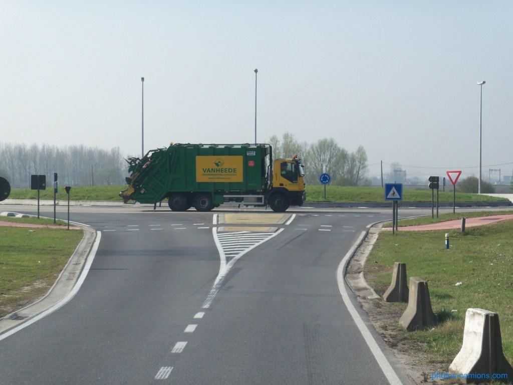 Vanheede Environemental Logistics (Geluwe) 635302photoscamions30mars201238Copier