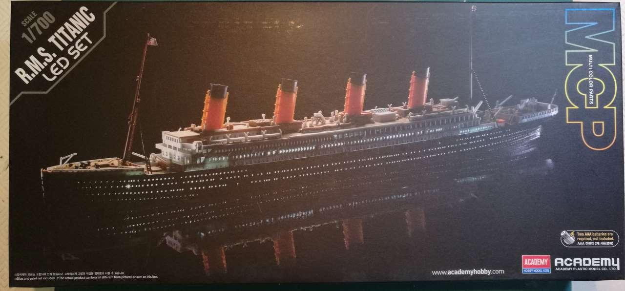 RMS Titanic 1/700 LED Set ACADEMY 641301TitanicAcademy1