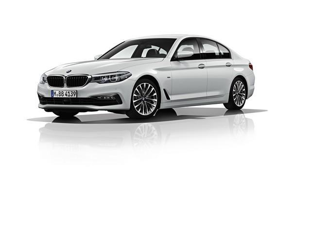La nouvelle BMW Série 5 Berline. Plus légère, plus dynamique, plus sobre et entièrement interconnectée 644678P90237841highResbmw5seriessaloon1