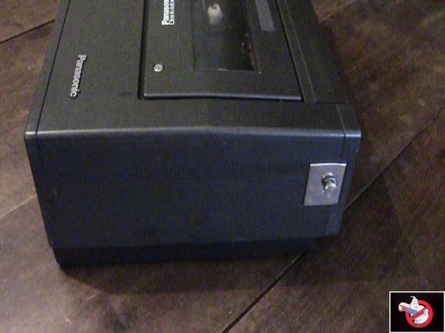 Caméra Panasonic PK-750 et VCR Portable NV-8410 64565021