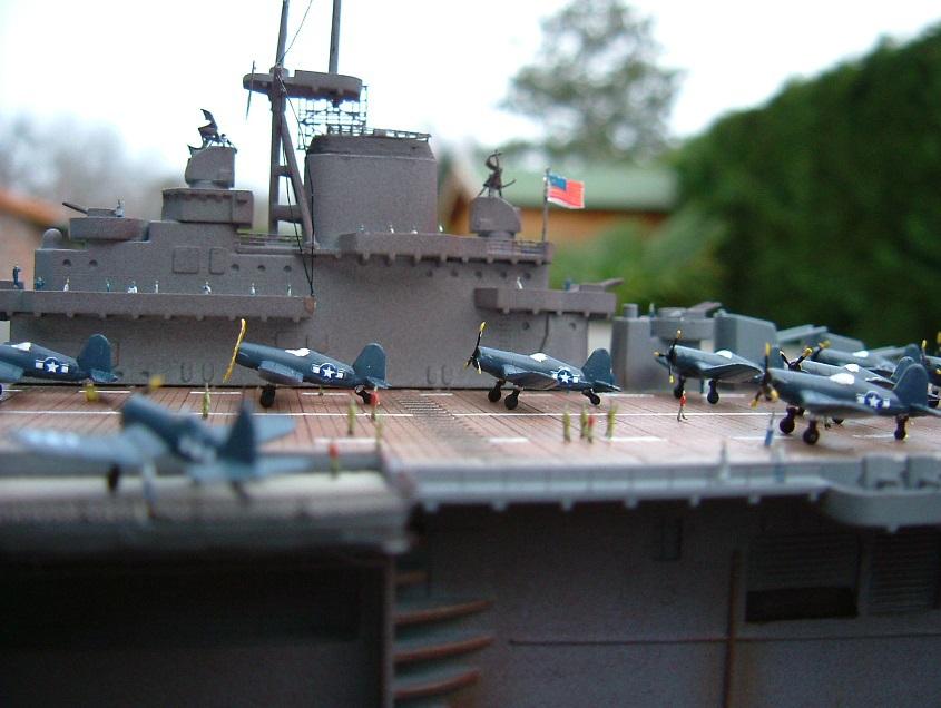 CV-9 USS ESSEX par Kagou 1/700 - Hasegawa + photodec 647525EssexCV96