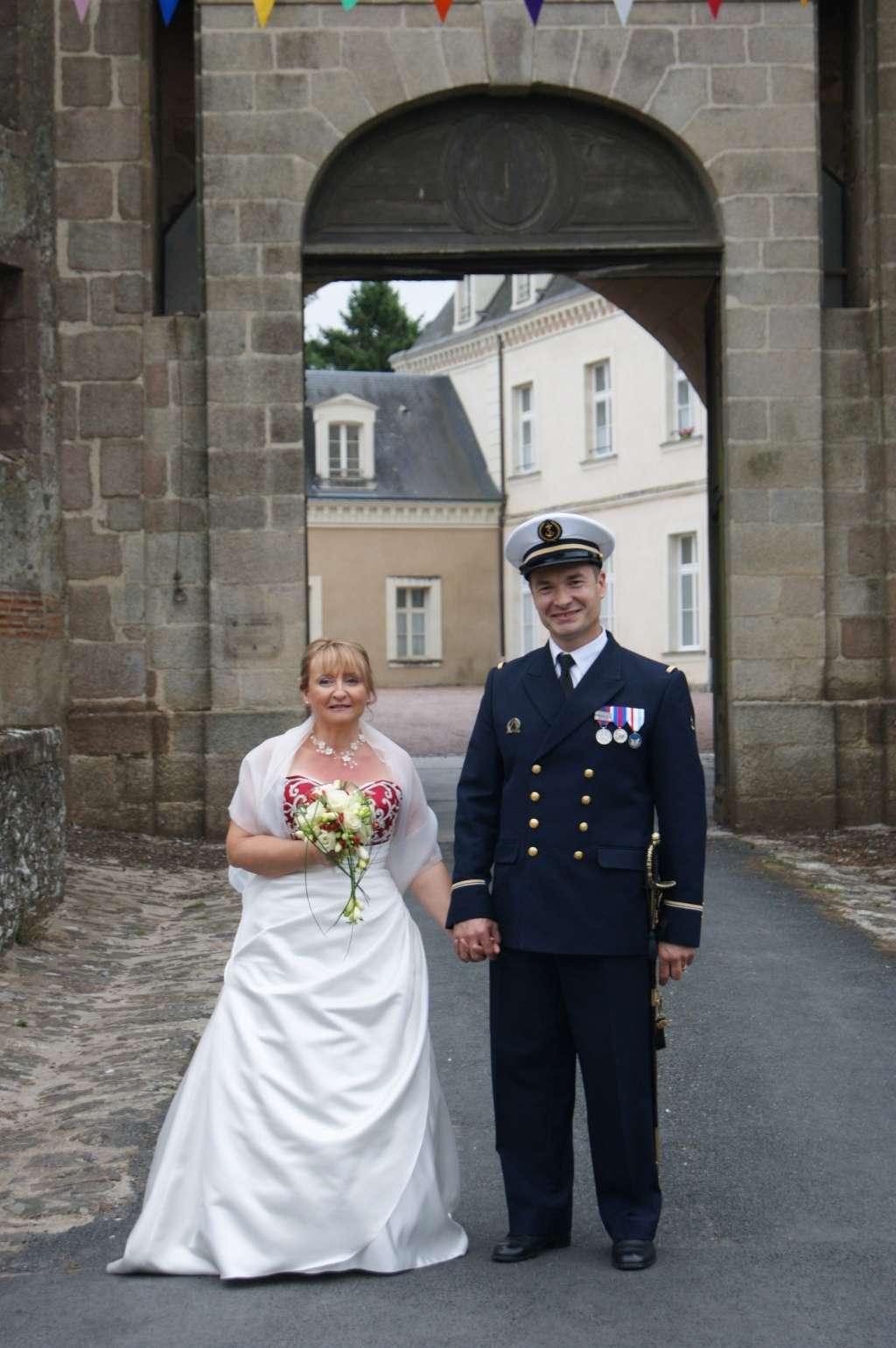 [Les traditions dans la Marine] Mariage en tenue - Page 4 647867381