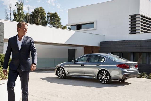 La nouvelle BMW Série 5 Berline. Plus légère, plus dynamique, plus sobre et entièrement interconnectée 649846P90237226highResthenewbmw5series