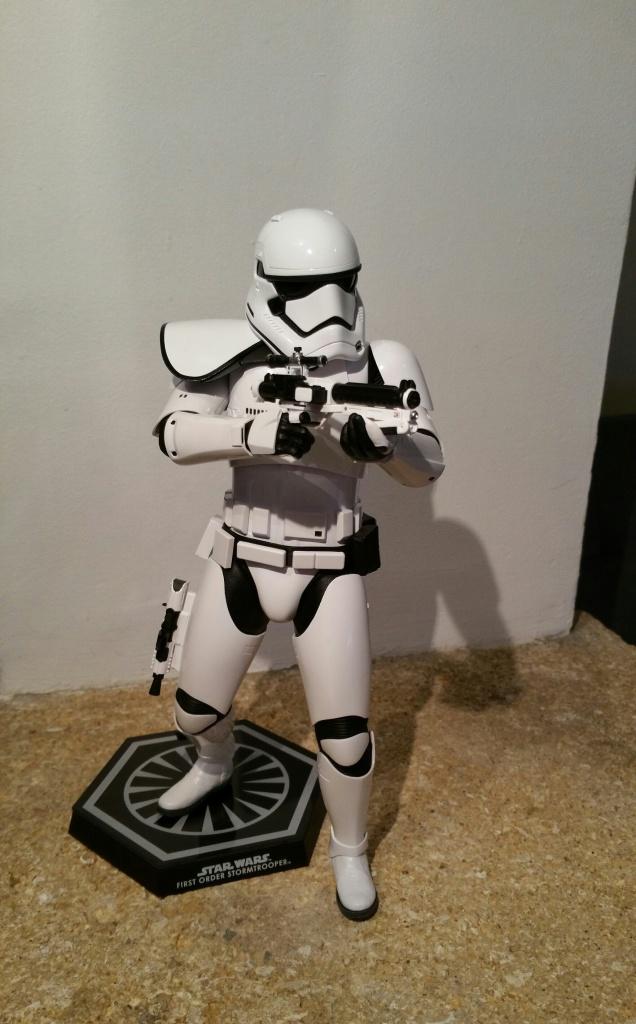 Hot Toys Star Wars First Order : Stormtrooper Squad Leader 651483201512201458521