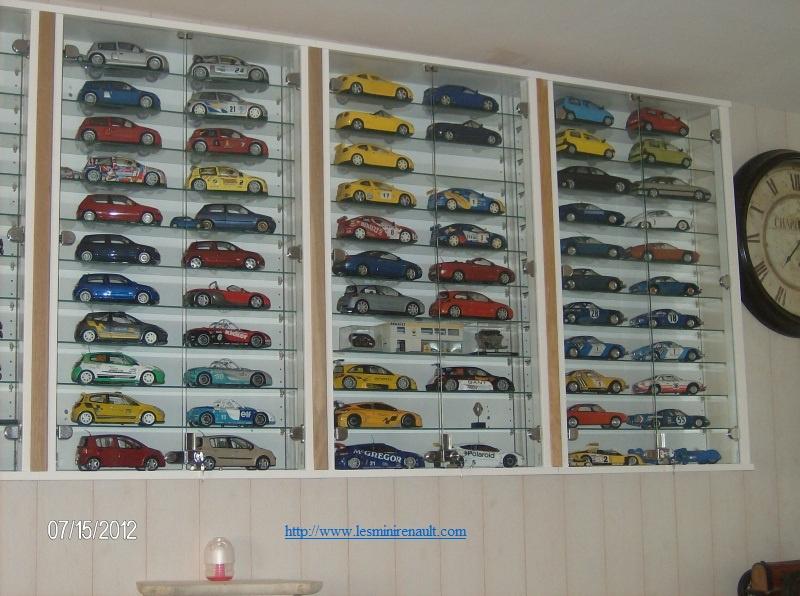 Voici ma collection de miniatures Renault  - Page 2 6574117803