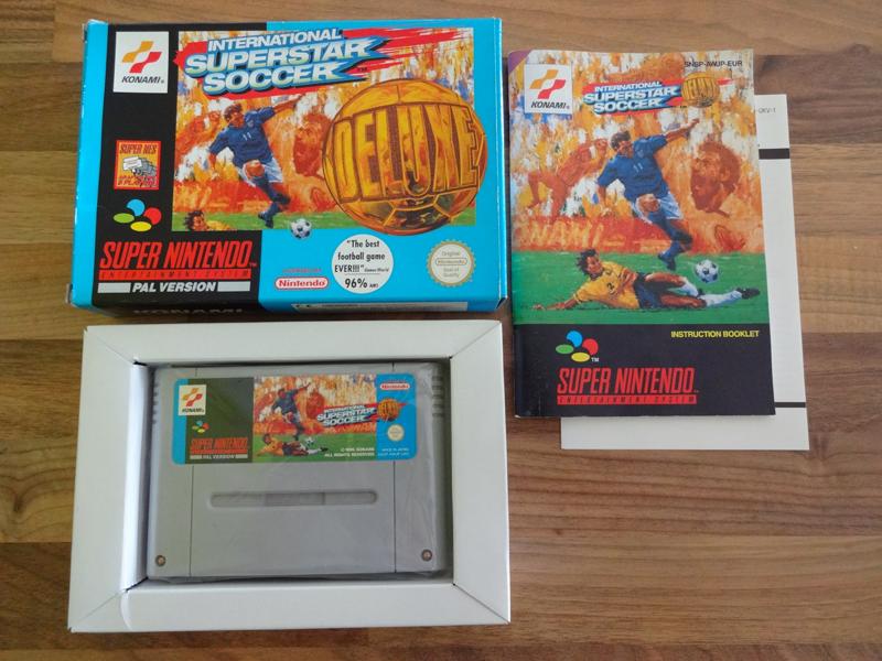Prupru's Collection ! 100% Super Nintendo et 200% Super Comboy !! - Page 19 658216InternationalSuperstarSoccerDeluxeUKV
