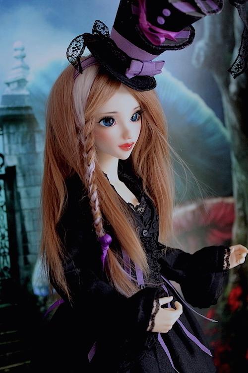 Elsa vous souhaite une Bonne Année (Enni Sensei's Dolls) p8 - Page 4 661962Chapeliremoitie3