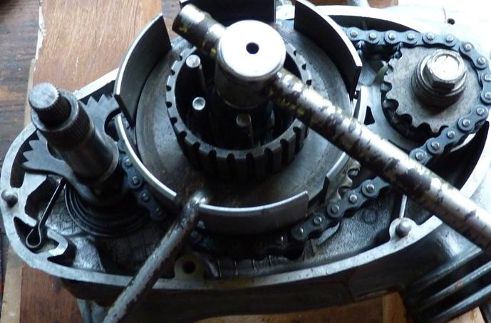 remontage d'un bas moteur d'une 125 TS 668830P1060230