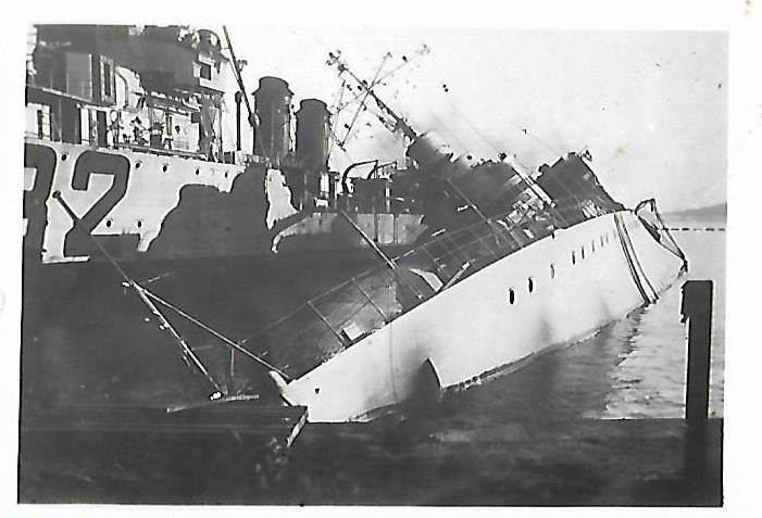 [Histoire et histoires] Toulon : Sabordage de la Flotte (photos) - Page 4 669772Trombe