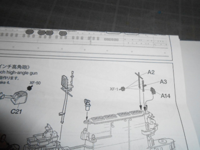 Saratoga tamiya 1/700 PE+Pont en bois par lionel45 - Page 6 670986013