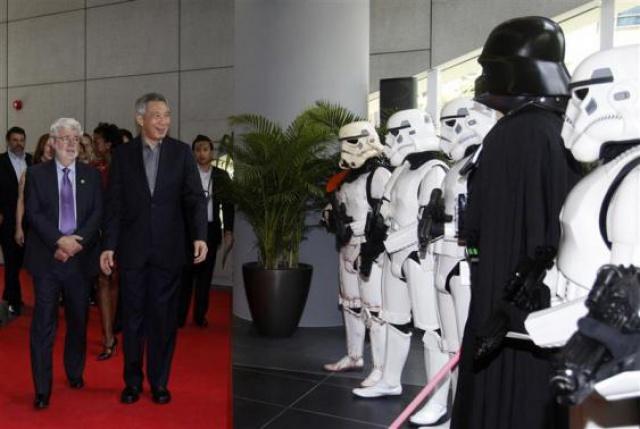 [Lucasfilm] Inauguration du Sandcrawler building à Singapour (2013)  671400sc8
