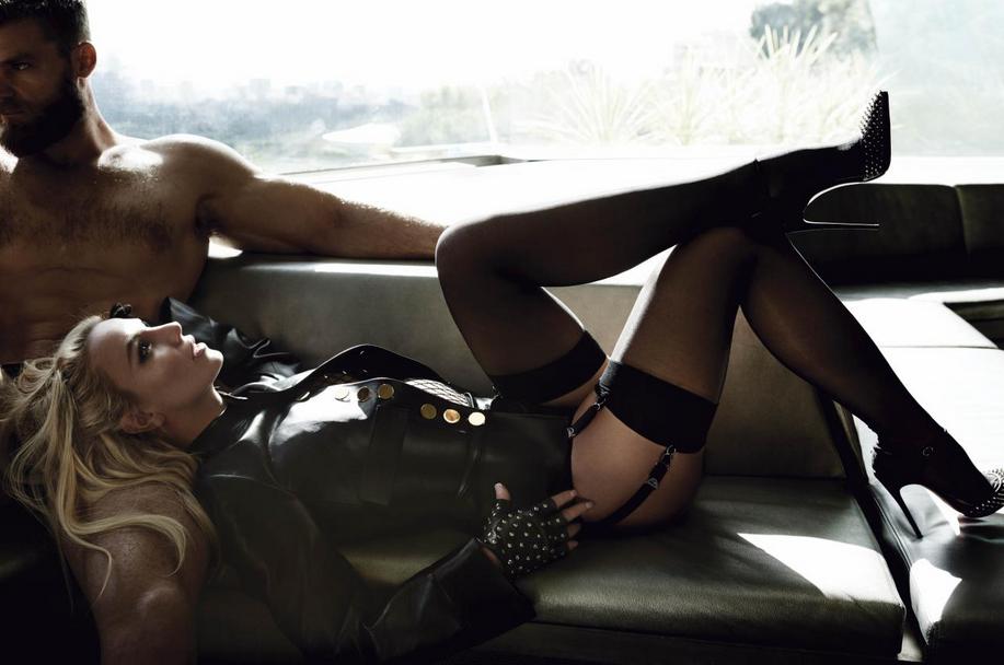 82 - Britney Spears  - Σελίδα 3 671552Capturede769cran20160302a768150327