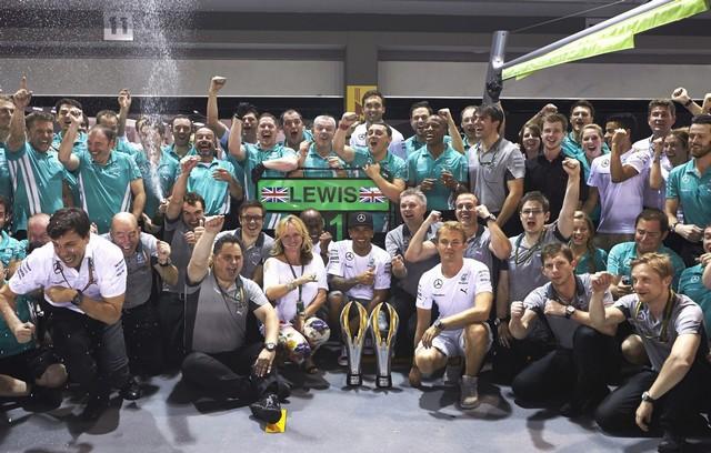 F1 GP de Singapour 2014 : victoire de Lewis Hamilton  6723322014GPdeSingapourHamilton