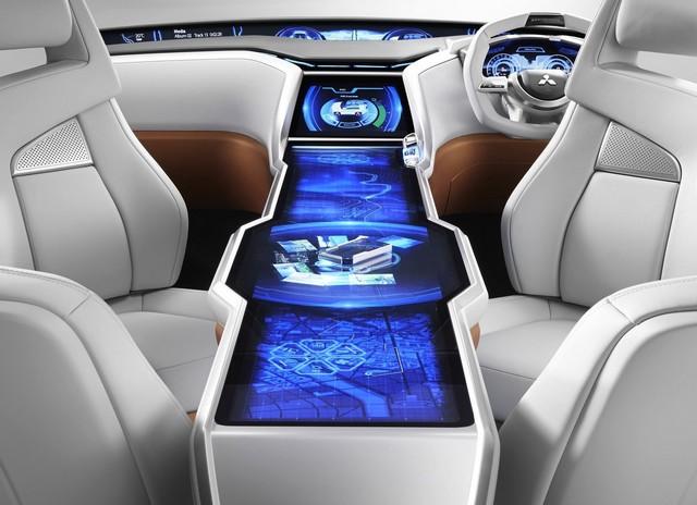 Salon de Genève 2014 : Mitsubishi Concept XR-PHEV 673765MitsubishiGCPHEVConcept6