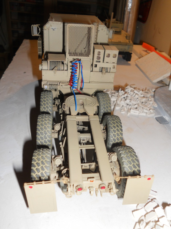 M1070 & M1000 Hobby Boss + photo-découpe E.T. Model 1/35  675511DSCN0005